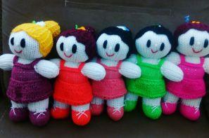 عروسک های دستباف