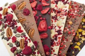شکلات تخته ای تزیین شده